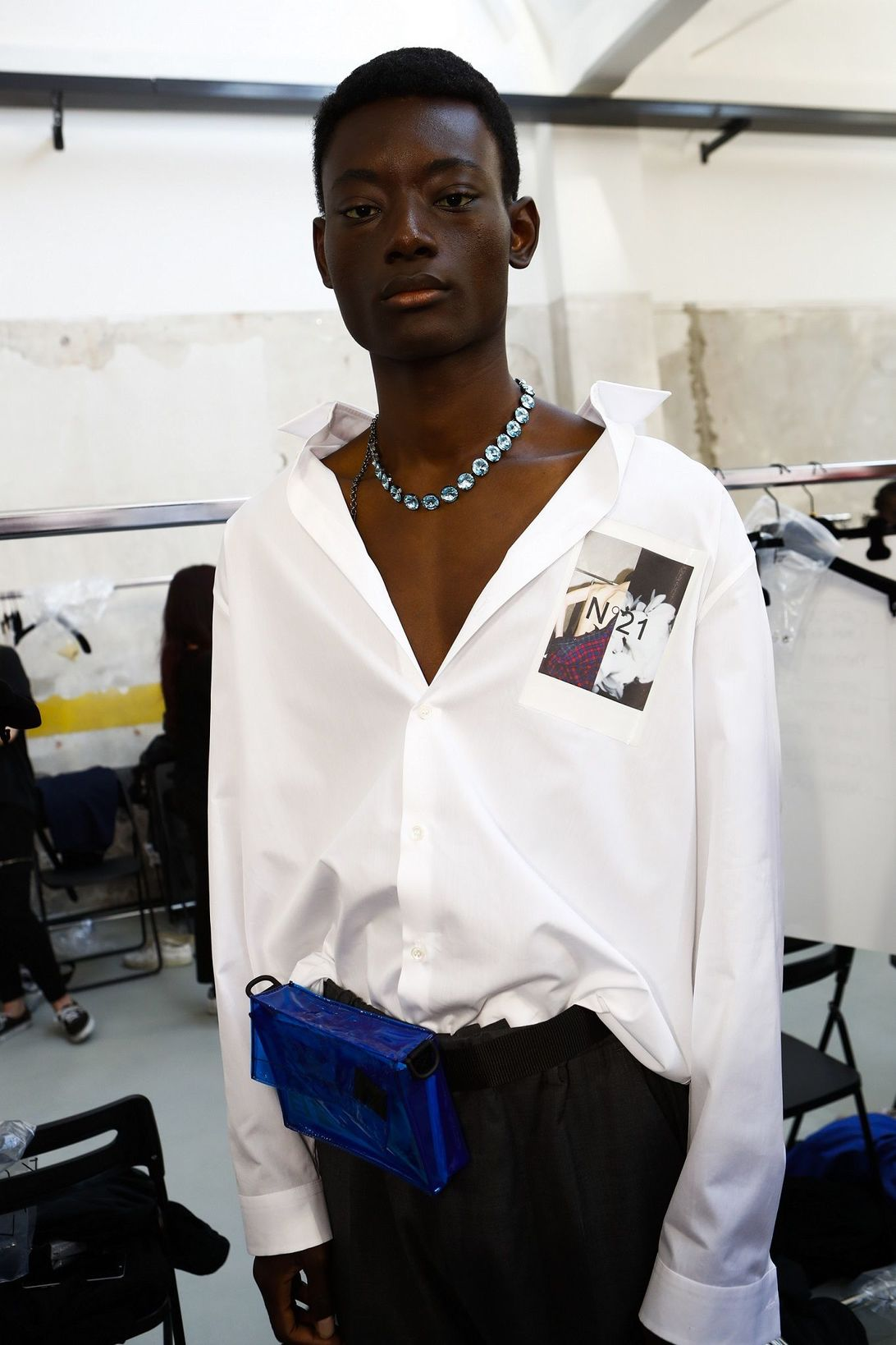 N21 withe shirt