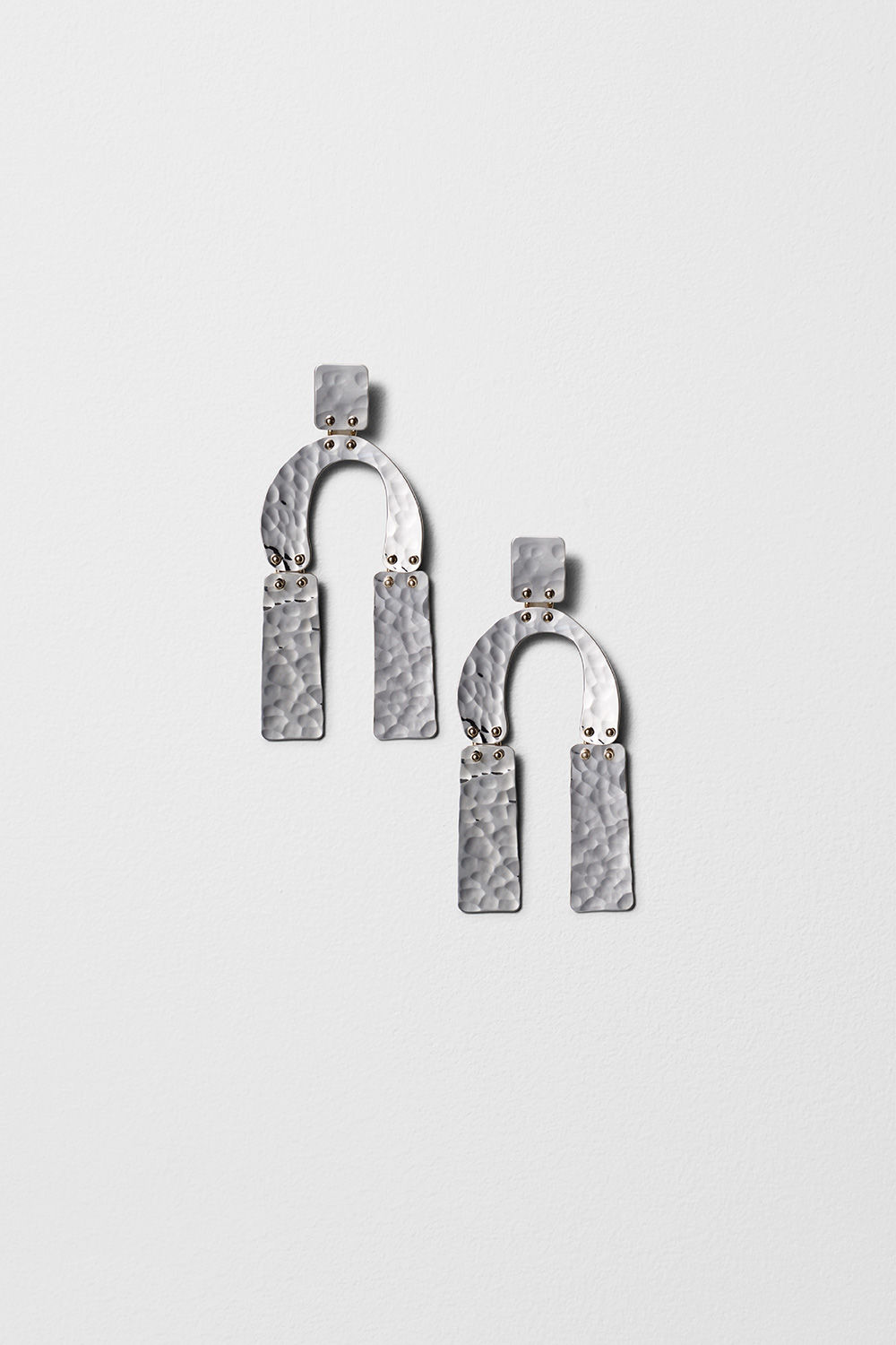 proenza schouler spring 2017 silver hammered metal medium earrings